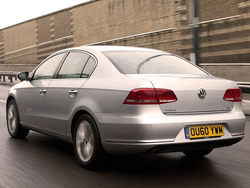 VW Passat 1.6 TDI Bluemotion (2011) arkadan görünüm