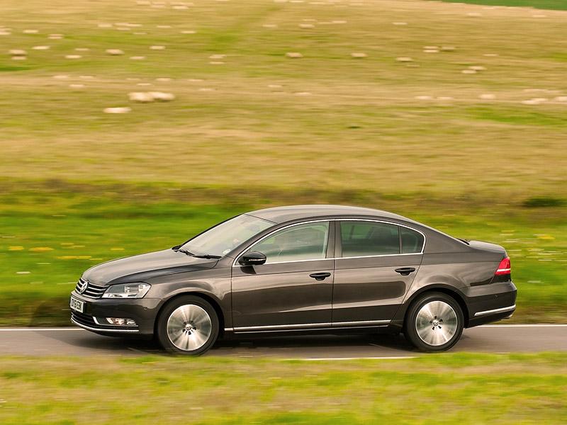 VW Passat 1.6 TDI Bluemotion (2011) dış görünüm