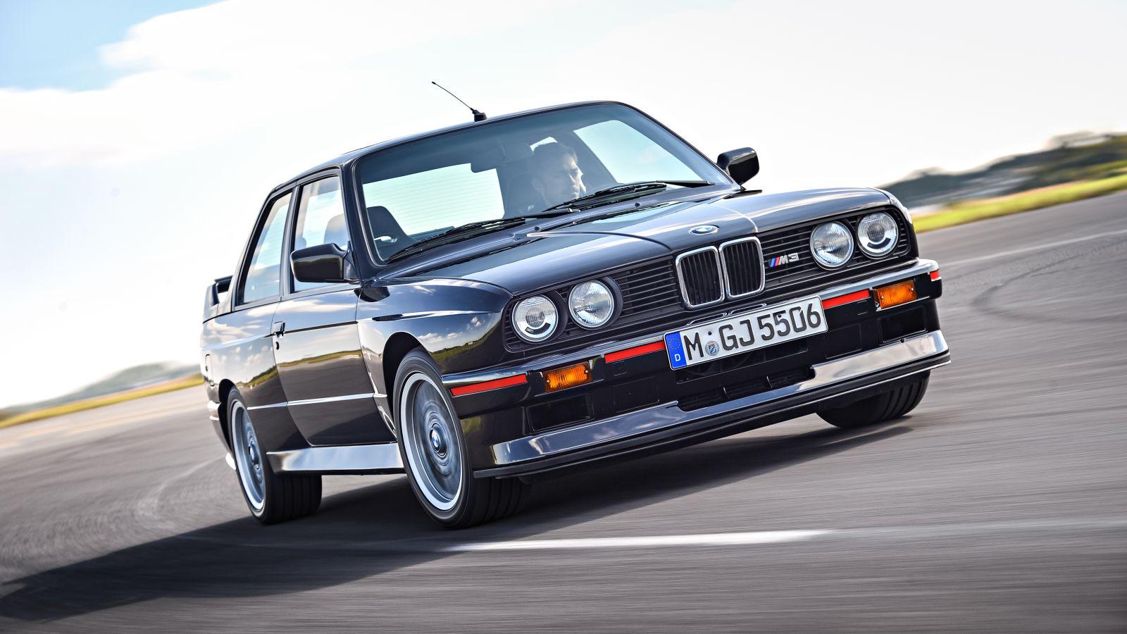 BMW M3 (E30) - En Özel BMW M Otomobilleri Listesi