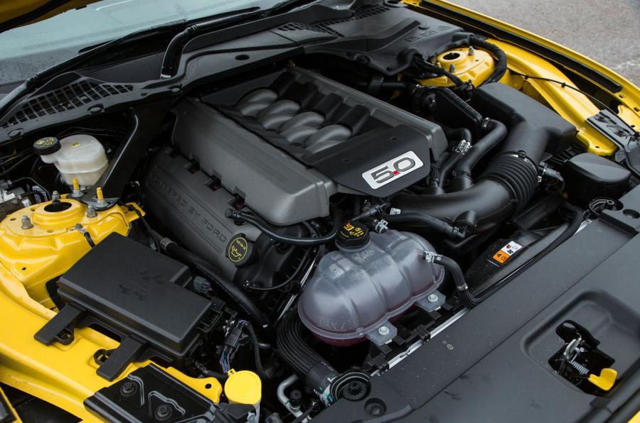 En İyi 10 Benzinli Motor - Ford Mustang V8