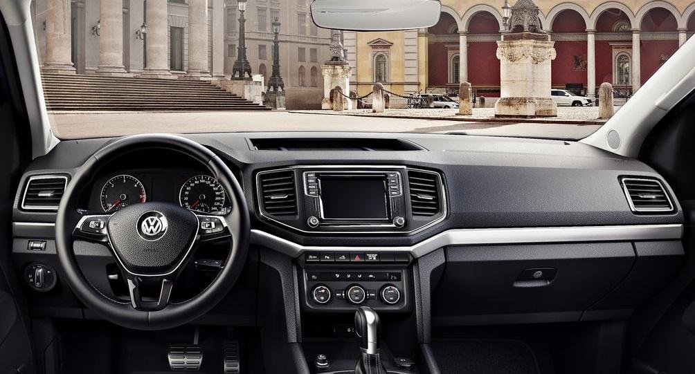 Volkswagen Amarok Aventura ön konsol