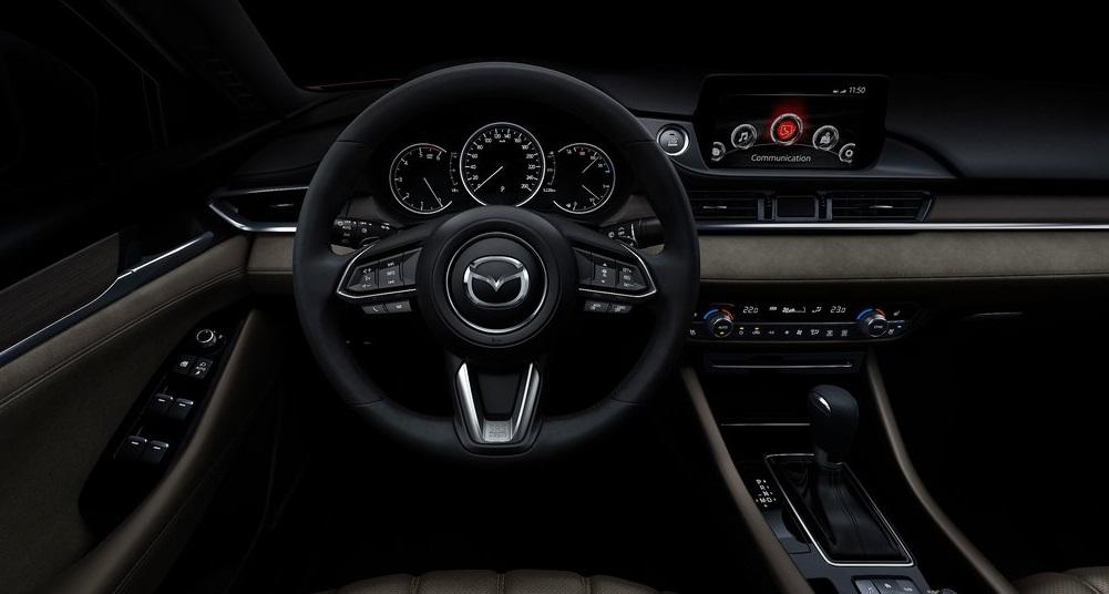 Mazda6 iç dizayn