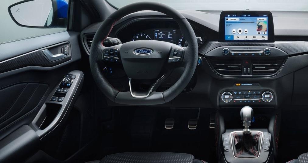 Ford Focus ST-Line ön konsol görünümü