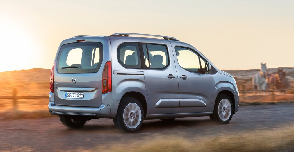 Opel Combo arka görünümü