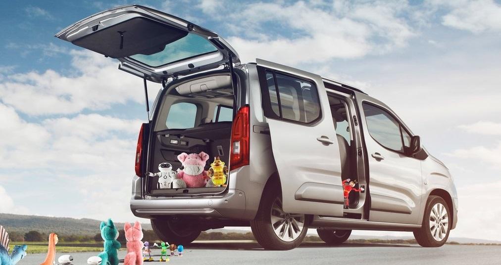 Opel Combo bagaj derinliği