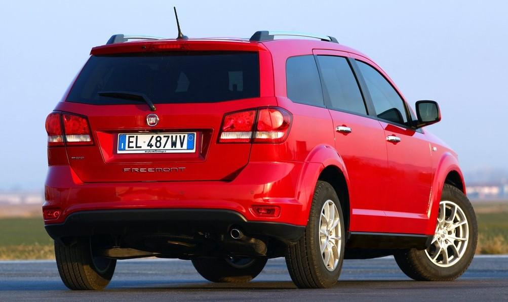 Fiat Freemont arka görünümü