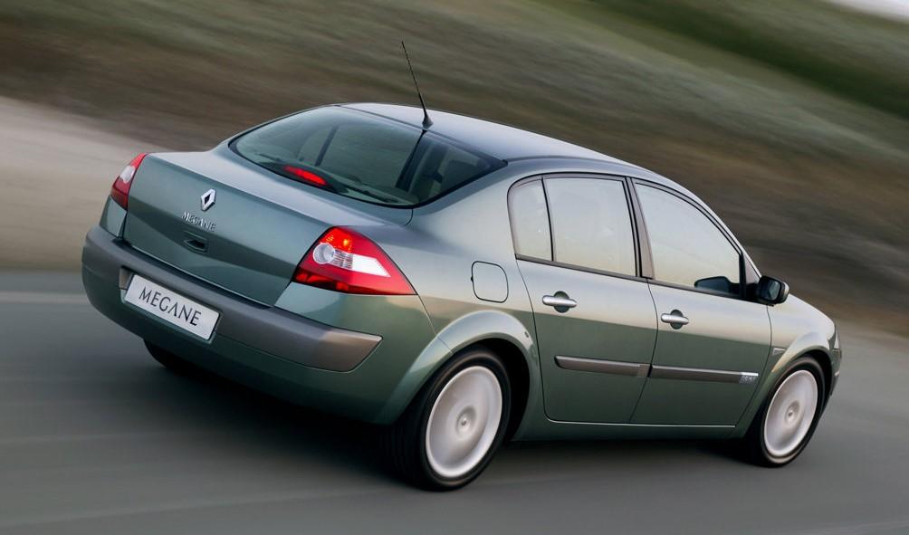 Renault Megane II arka görünüm bakış