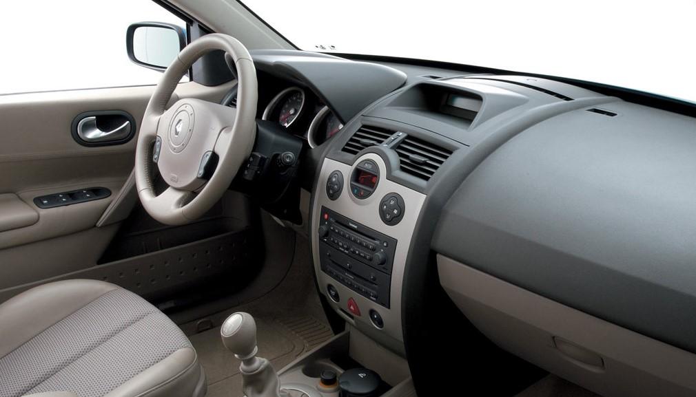 Renault Megane II ön konsol görünümü