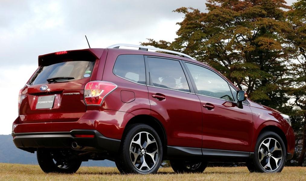 Subaru Forester arka görünümü