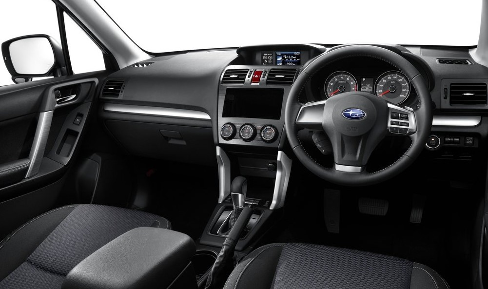 Subaru Forester ön konsol görünümü