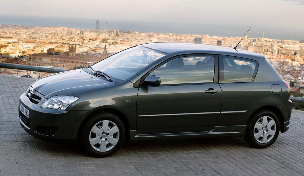 Toyota Corolla yan görünüm
