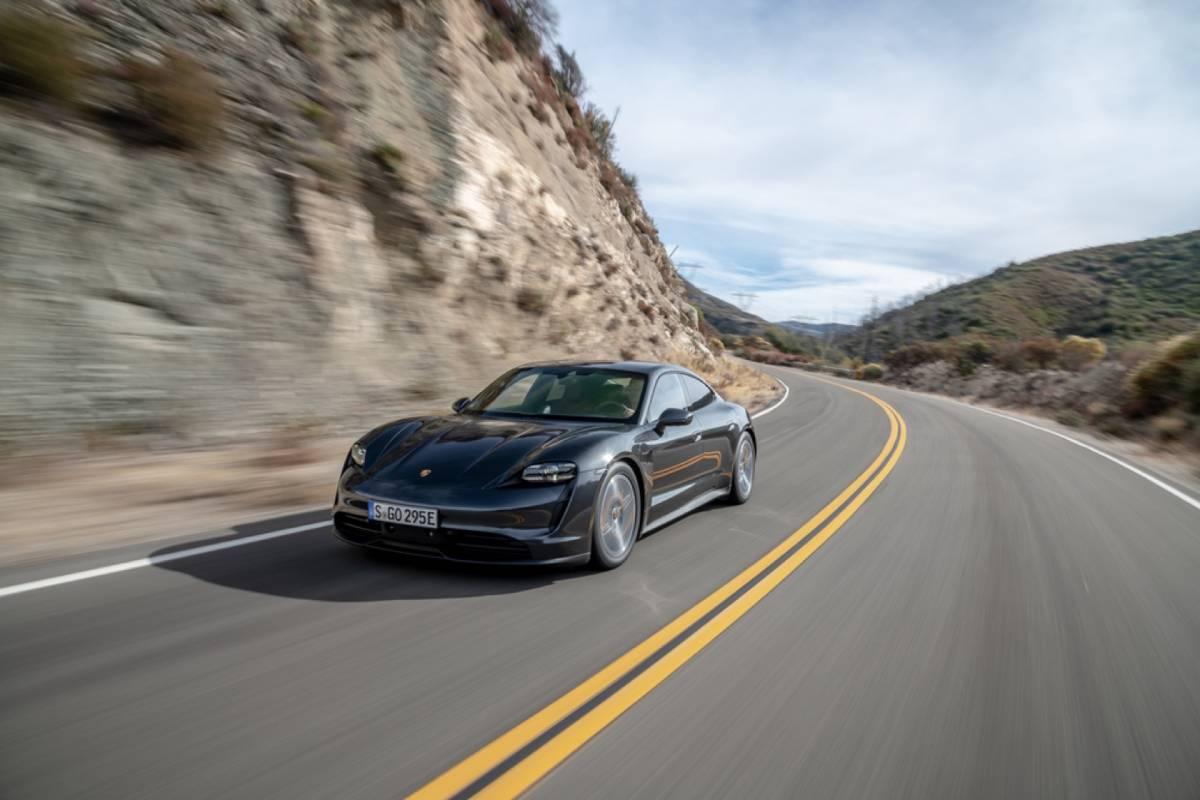 Porsche'un en ucuz elektrikli modeli Taycan 4S ABD'ye ...